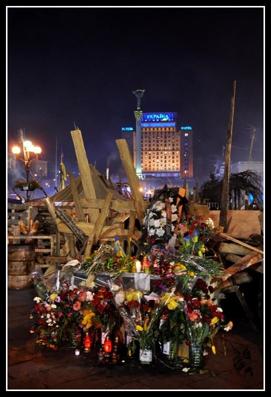 Kiev - Révolution de 2014 Euromaidan - Autel en mémoire des victimes - maidan