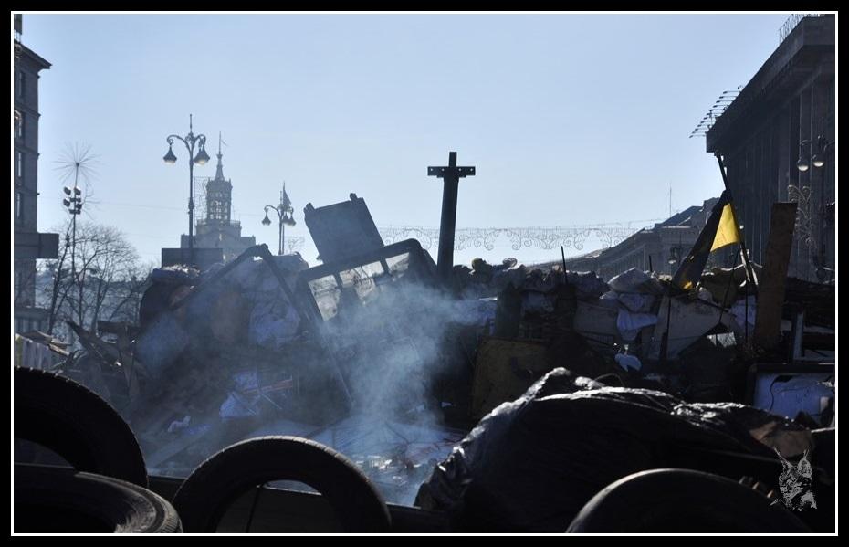 Kiev - Révolution de 2014 Euromaidan - barricades sur la place de l'indépendance - Maidan Nézalejnosti