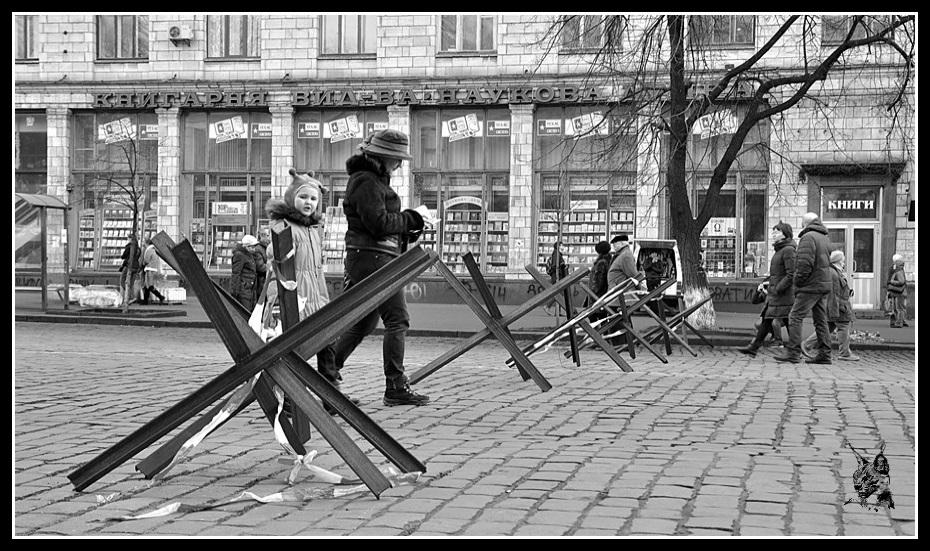 Kiev - Révolution de 2014 Euromaidan - Barricades, hérissons tchèque - maidan