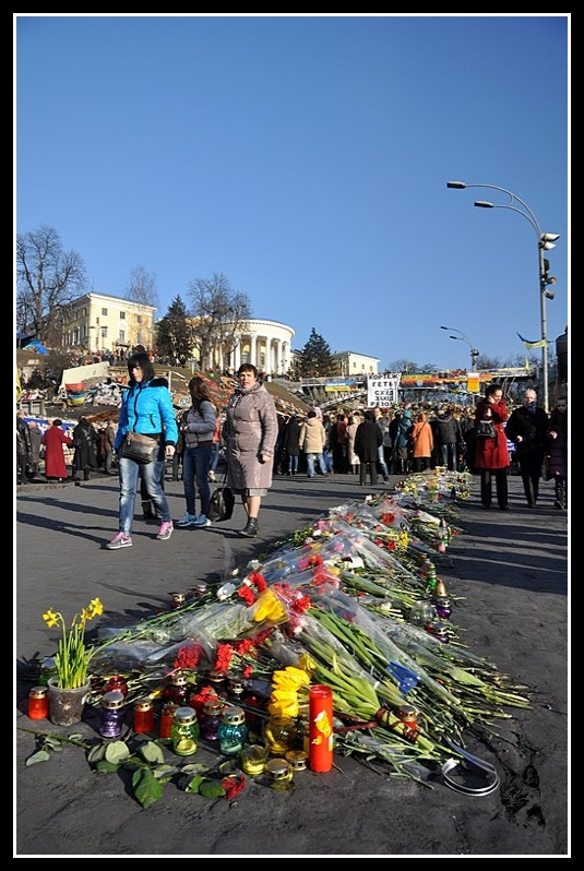 http://jeansebastiendaboville.com/2bgal/img/revolution-kiev-2014/euromaidan-place-6_GF.jpg